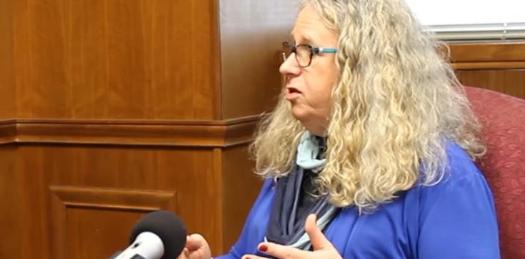 Pierwsze decyzje Bidena. Transpłciowy lekarz doradcą sekretarza zdrowia  - zdjęcie