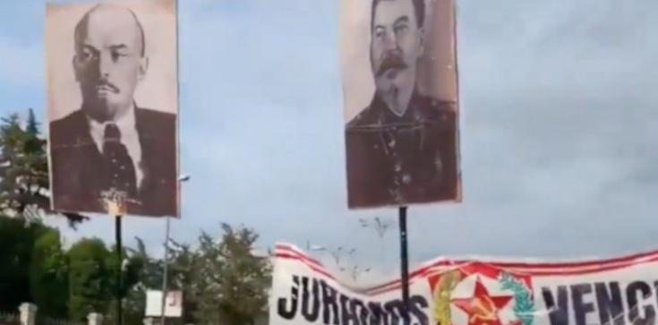 """Komunistyczny pochód ulicami Madrytu. Na transparentach """"Niech żyje Stalin!"""" - zdjęcie"""