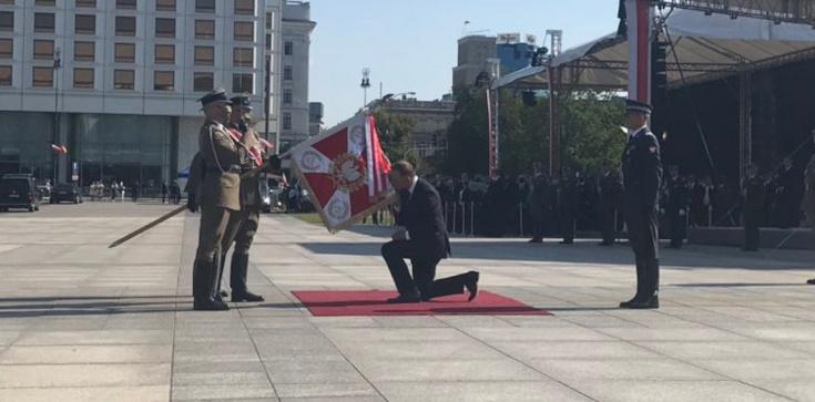 Andrzej Duda objął zwierzchnictwo nad polskimi siłami zbrojnymi - zdjęcie