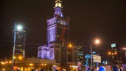 Trzaskowski się postarał… Czerwona błyskawica na Pałacu Kultury  - miniaturka