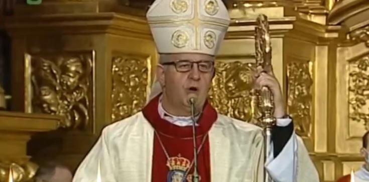 Biskup kielecki: Wara wam od mojej katedry!  - zdjęcie