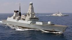 Rosyjska flota oddała strzały ostrzegawcze do brytyjskiego niszczyciela - miniaturka