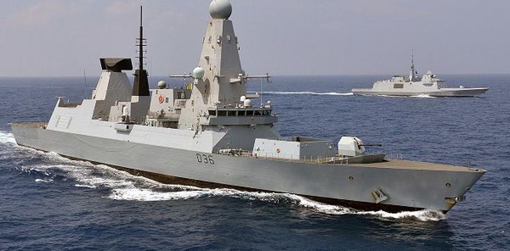 Rosyjska flota oddała strzały ostrzegawcze do brytyjskiego niszczyciela - zdjęcie