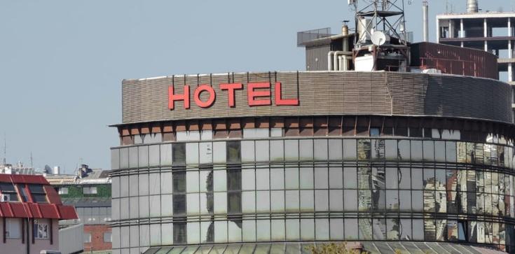 Hotelarze apelują o jasne informacje ws. świąt i Sylwestra  - zdjęcie