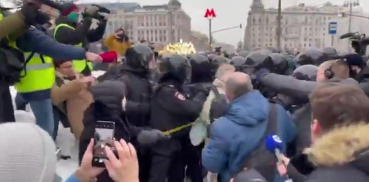Demonstracje w Rosji. Zatrzymano współpracowniczkę Nawalnego - zdjęcie