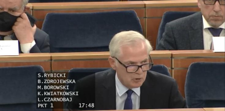 Senacka komisja przeciw podwyżkom wynagrodzeń polityków  - zdjęcie