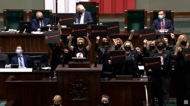 Awantura w Sejmie. Posłanki zaatakowały prezesa PiS [WIDEO] - miniaturka