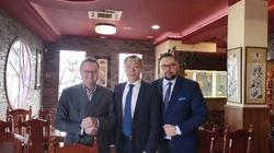 Jan Śpiewak: Biedny Kulasek - musi dojadać u ambasadora Chin - miniaturka