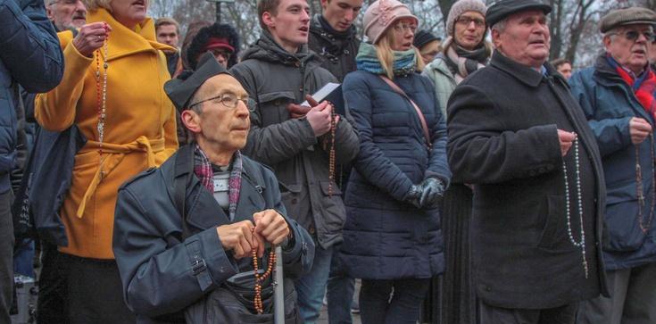 Obrona abp. Marka Jędraszewskiego. FOTORELACJA - zdjęcie