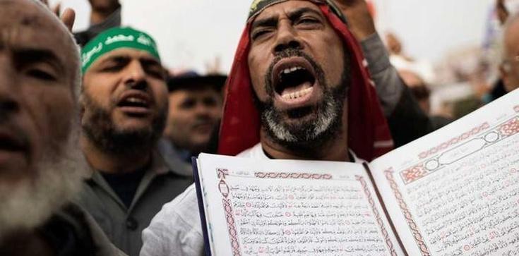 Koran i nienawiść. Cytaty, które mówią o islamie wszystko! - zdjęcie