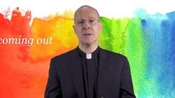 O. James Martin SJ twierdzi, że papież popiera jego ,,posługę'' LGBT - miniaturka