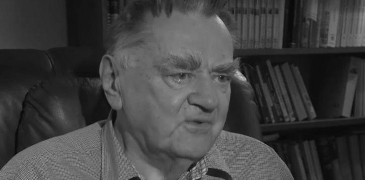 90. rocznica urodzin śp. Jana Olszewskiego. Premier Morawiecki oddał hołd byłemu szefowi rządu - zdjęcie