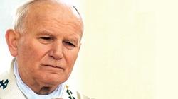 Modlitwa Jana Pawła II o pokój na świecie: Ojcze, obdarz nasze czasy dniami pokoju. Niech już nie będzie więcej wojny! - miniaturka