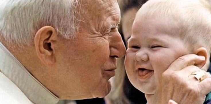 Jan Paweł II: Dziecko to dar Boga - zdjęcie