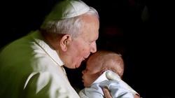Św. Jan Paweł II: Boże Narodzenie jest świętem człowieka - miniaturka