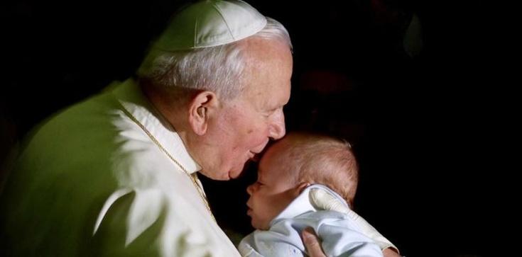 Św. Jan Paweł II: Boże Narodzenie jest świętem człowieka - zdjęcie