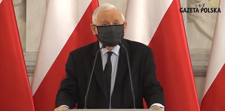 Prezes PiS podczas odbierania wyróżnienia klubów ,,GP'': Walka o Polskę musi trwać ciągle - zdjęcie