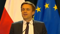 'Podsiadł moją partnerkę'. Jażdżewski ośmiesza Kosiniaka-Kamysza!  - miniaturka