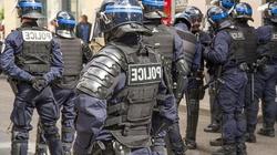 Zamieszki we Francji. Ostrzelano policję - miniaturka