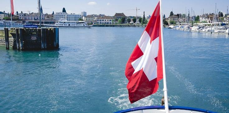Europejscy politycy odetchnęli z ulgą. Szwajcarzy przeciw zniesieniu swobody przepływu osób  - zdjęcie
