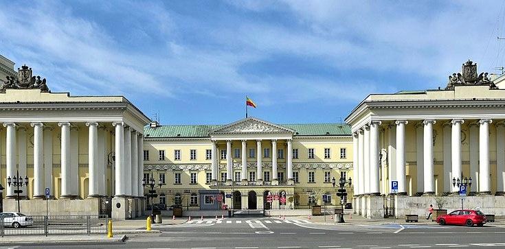 Kontrowersyjny projekt o edukacji seksualnej. Warszawa lekceważy uwagi kuratora oświaty - zdjęcie