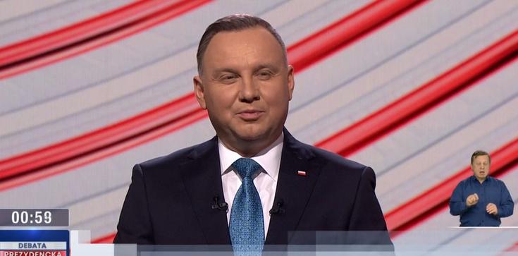 Sondaż. Zdaniem Polaków debatę zdecydowanie wygrał Andrzej Duda - zdjęcie