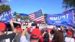 Dzień Prezydentów w USA. Tłum wiwatuje na cześć Trumpa - miniaturka