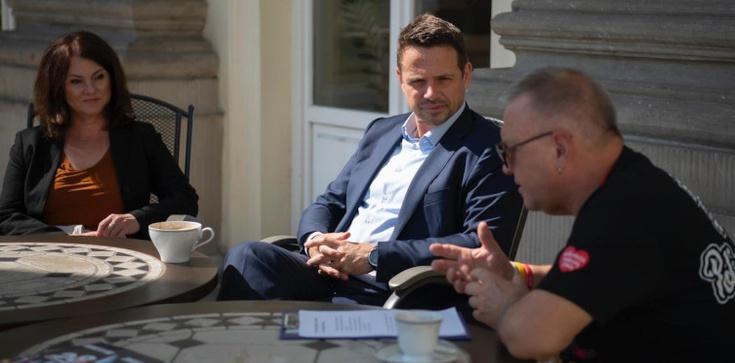 Nie ma czasu na spotkanie z prezydentem, za to spotkał się z Owsiakiem - zdjęcie