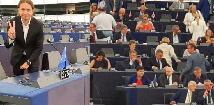 'Prezent dla Beaty Szydło'. Żenująca zagrywka europosła od Biedronia - zdjęcie