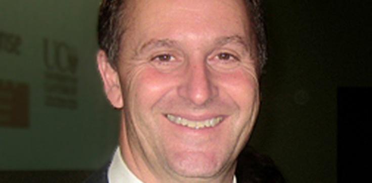 Premier ciągnął kelnerkę za włosy, świat szumi - zdjęcie
