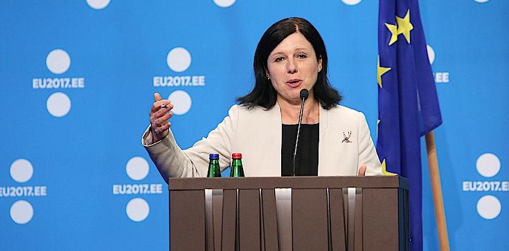 Jourova grozi w mediach: W nowym roku zajmiemy się Polską i Węgrami - zdjęcie
