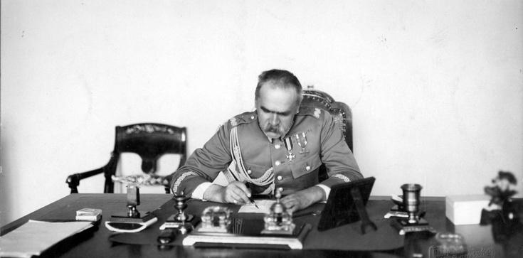 Jerzy Bukowski: Piłsudski  zamiast Armii Czerwonej - zdjęcie