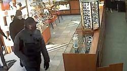 Gdańsk. Napad na jubilera. Policja publikuje wizerunki sprawców i wideo - miniaturka