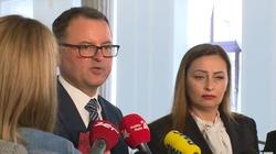 Zjednoczona Prawica traci większość w Sejmie. Troje posłów PiS zakłada nowe koło poselskie - miniaturka