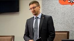 Sędzia Paweł Juszczyszyn nałożył grzywnę na szefową Kancelarii Sejmu, grozi grzywą Zbigniewowi Ziobrze - miniaturka
