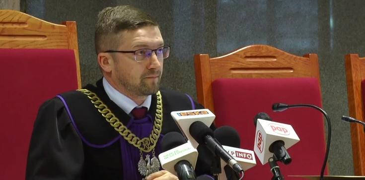 Izba Dyscyplinarna zawiesiła sędziego Juszczyszyna. ,,Odłóżmy wszyscy, my sędziowie, politykę'' - zdjęcie