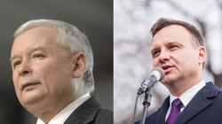 Dosyć ,,czołgania'' prezydenta. Zbliżenie między J. Kaczyńskim i A. Dudą - miniaturka