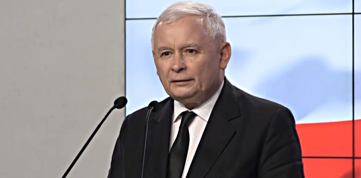 Tajna narada w limuzynie prezesa PiS? Kaczyński rozmawiał z Błaszczakiem i Morawieckim - zdjęcie