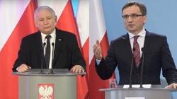 Kaczyńskiemu i Ziobrze należą się pomniki za życia - miniaturka