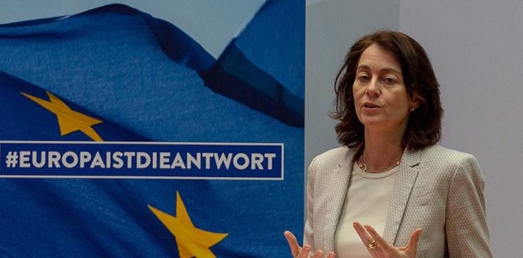 ,,Zagłodzić Polskę'' po raz drugi. Katarina Barley: natychmiast zablokować fundusze unijne dla Węgier i Polski - zdjęcie
