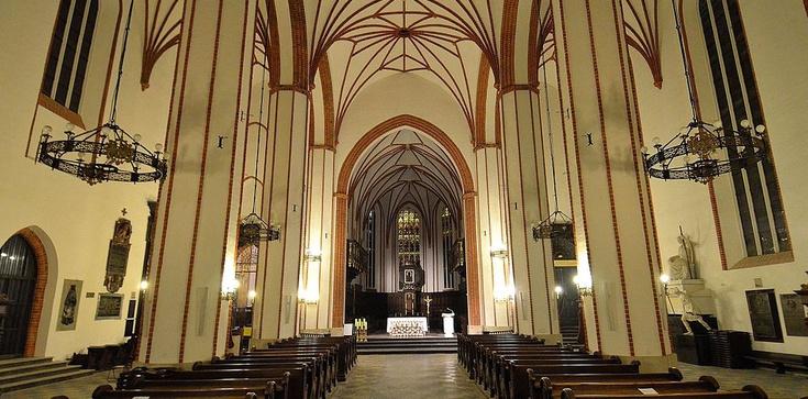 Jak są zabezpieczone przed pożarami kościoły Warszawy? - zdjęcie