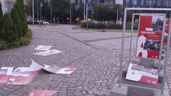 Zniszczono wystawę ,,TU rodziła się Solidarność''. Dulkiewicz milczy - miniaturka