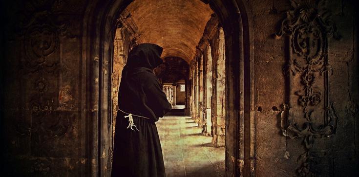 Czy demokracja zagraża klasztorom? - zdjęcie