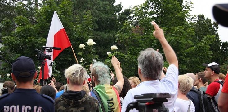 Współtwórca KOD o Polakach: ''Jesteście głupcami!'' - zdjęcie