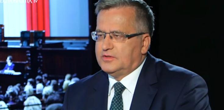 Komorowski ,,adwokatem'' Niemców: Tylko idioci są skłonni dawać, nie zarabiając na tym. Chce też wprowadzić euro - zdjęcie