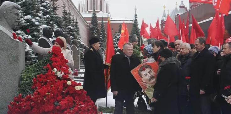 80 lat temu kazał wymordować Polaków, dziś Rosjanie nadal oddają mu hołd - zdjęcie