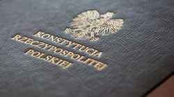 Sondaż. Konstytucja najważniejsza dla prawie 80 proc. Polaków  - miniaturka