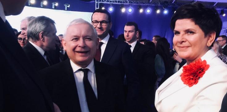 Mocny PRAWY sierpowy PiS, totalni na 'deskach'!!! (SONDAŻ) - zdjęcie