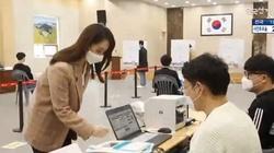 Korea Płd. Odbywają się wybory parlamentarne pomimo stanu epidemiologicznego - miniaturka