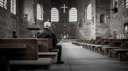 Tak dokonuje się samobójstwo Europy! Niemcy masowo odchodzą od Kościoła - miniaturka
